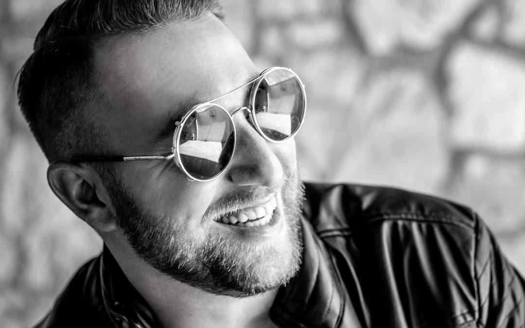 Tendance : les lunettes de soleil en bois