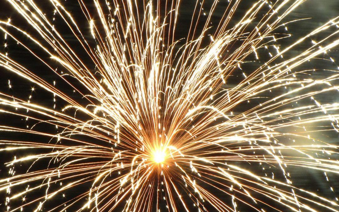 Envisagez un feu d'artifice pour le Jour de l'An