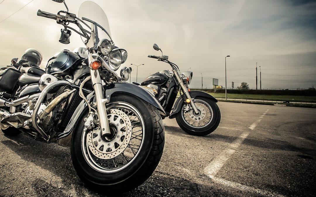 Le blouson moto en cuir ou en textile : lequel choisir ?