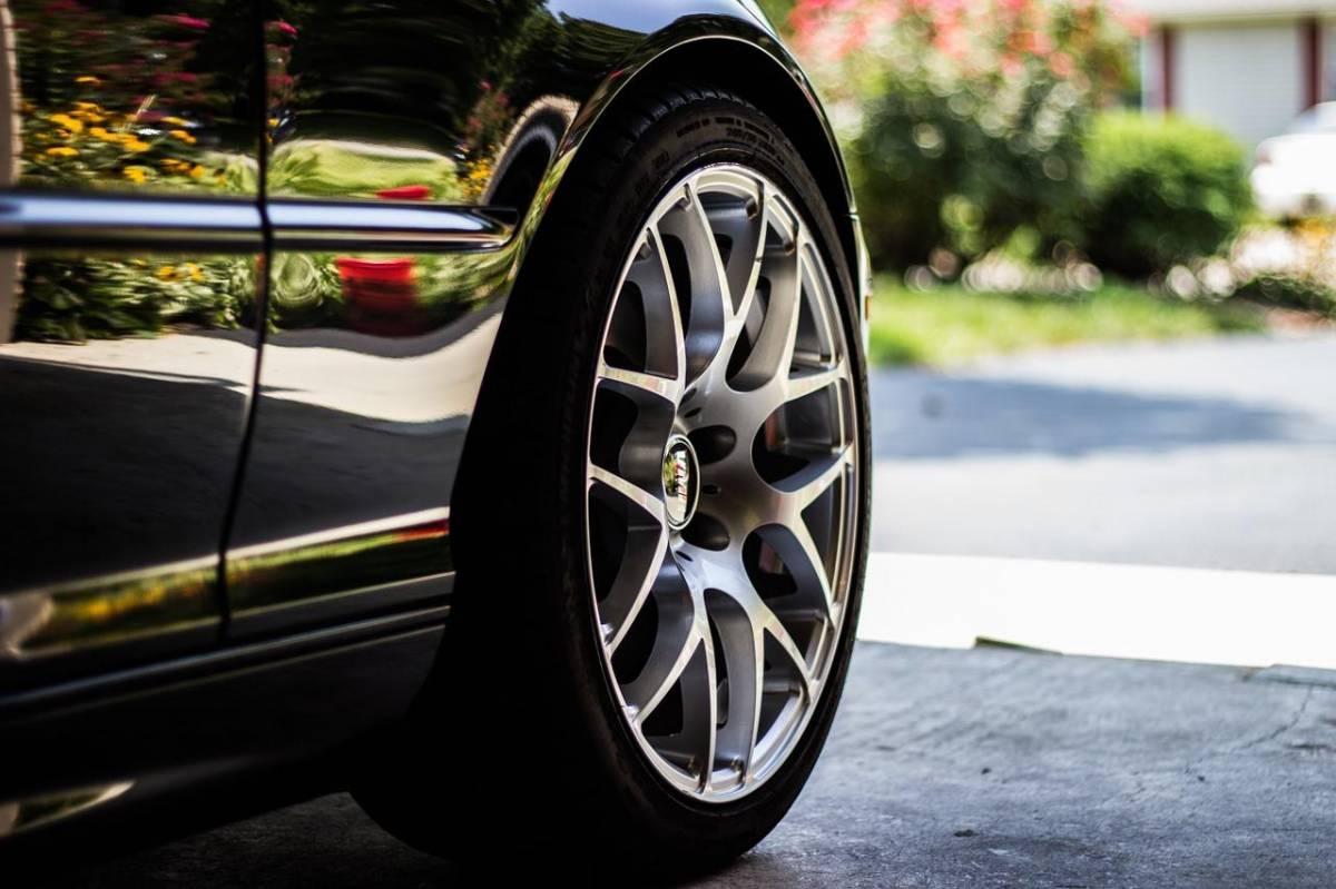 Pourquoi acheter des pneus rechapés est plus avantageux qu'acheter des pneus neufs ?