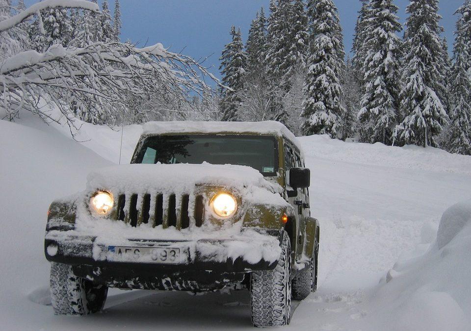 Conduire une voiture sur neige : les secrets