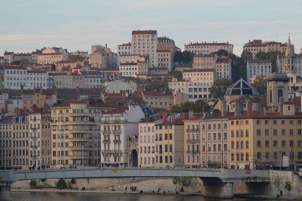Combien coûte un garde meuble à Lyon ?