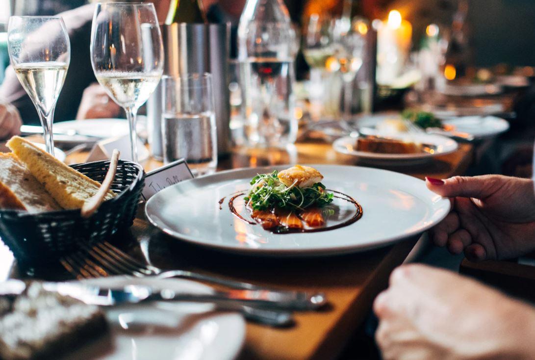 La web enchère pour manger aux meilleures tables de France